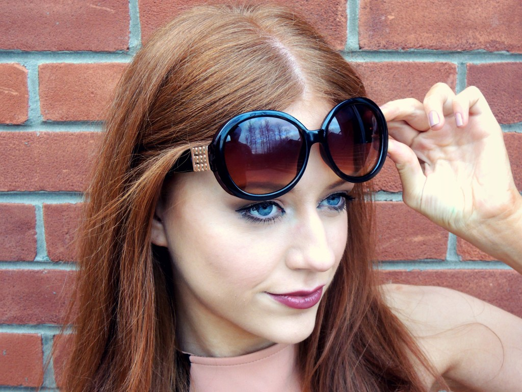 M UK Sunglasses - Kathryn's Katwalk - Kathryn O'Brien